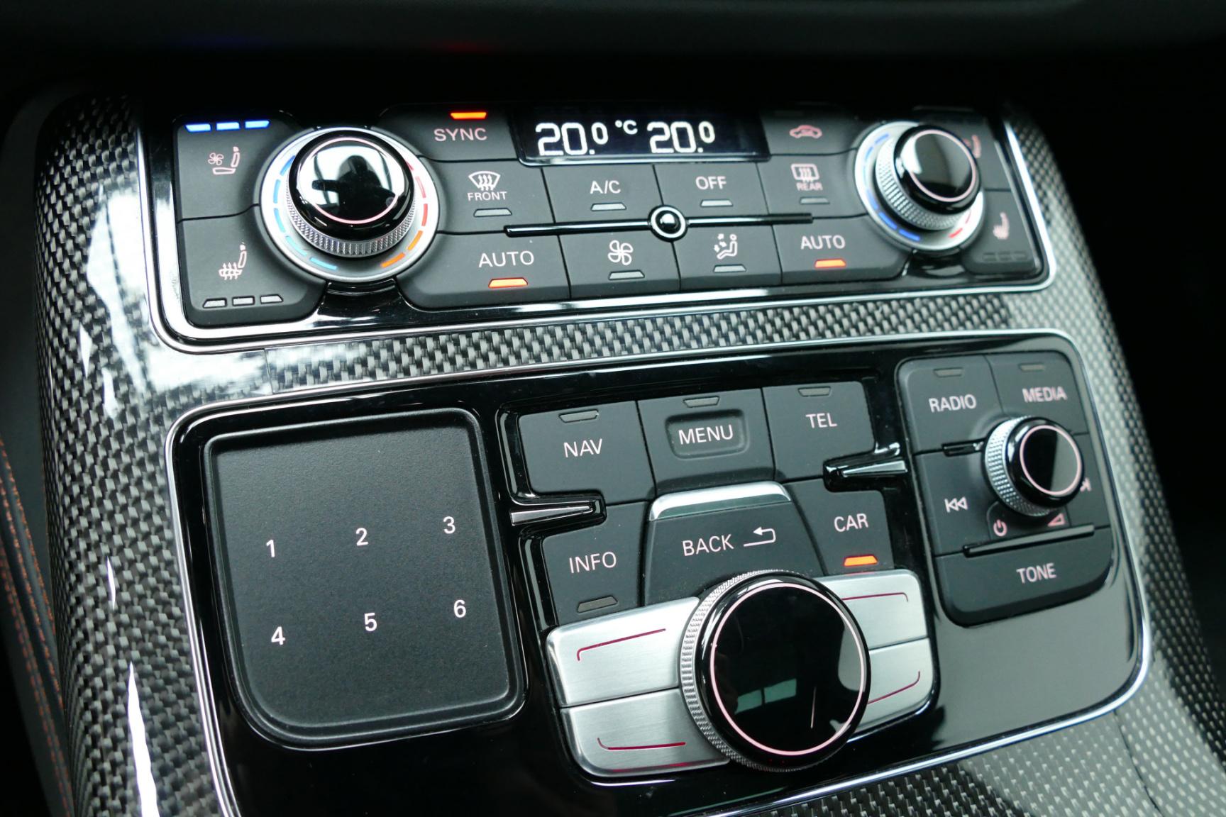Audi-S8-31