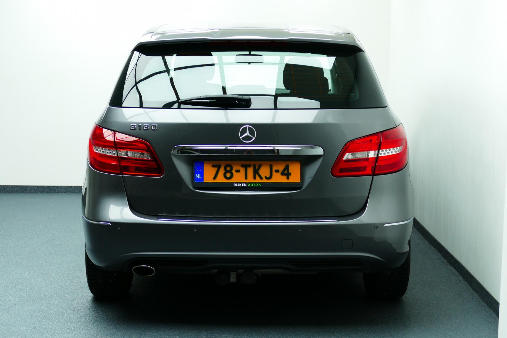 Mercedes-Benz-B-Klasse-23
