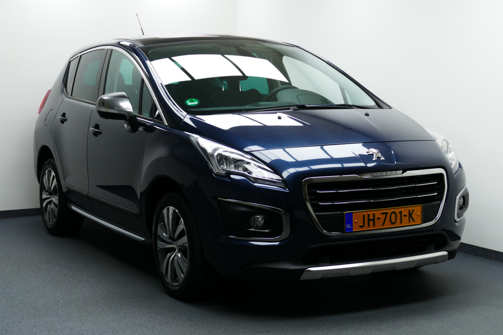 Peugeot-3008-0