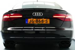 Audi-S8-27