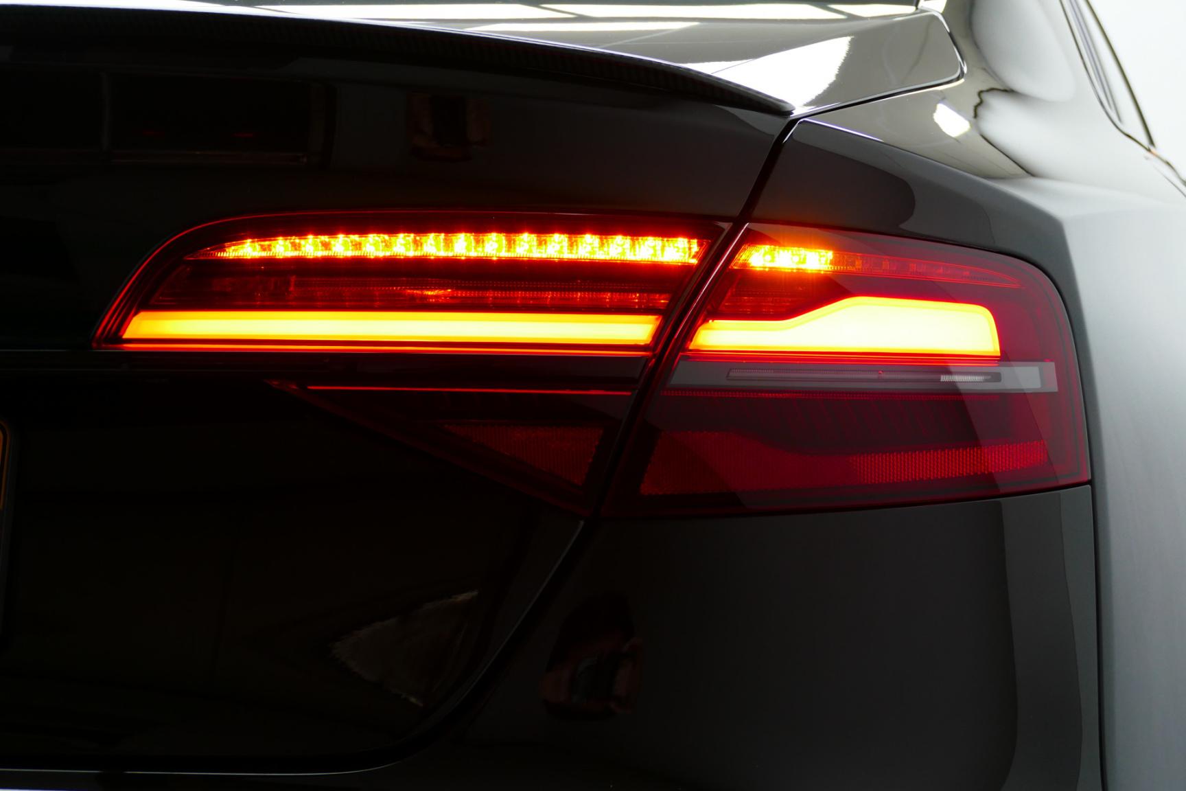 Audi-S8-51