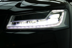 Audi-S8-30