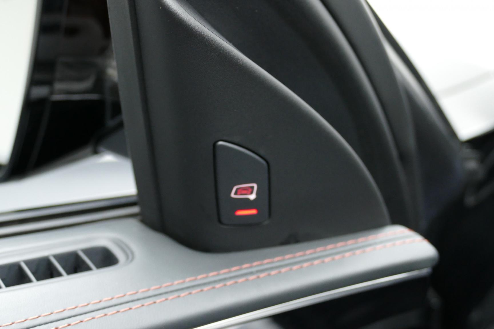 Audi-S8-24