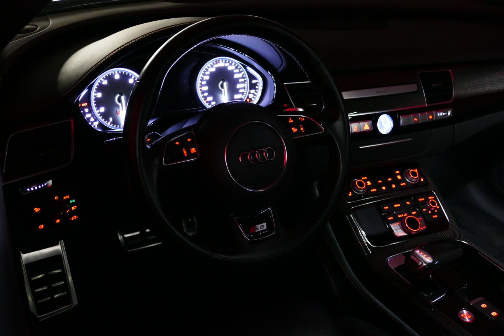 Audi-S8-16