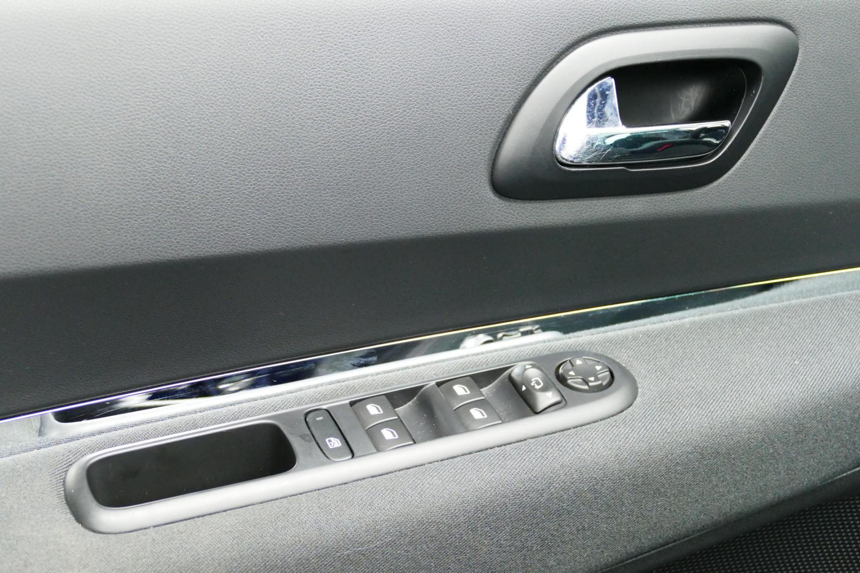 Peugeot-3008-26