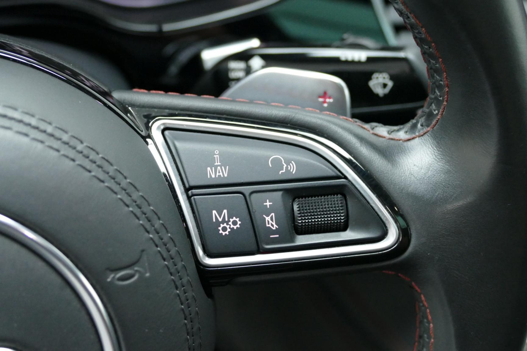 Audi-S8-19