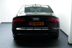 Audi-S8-26