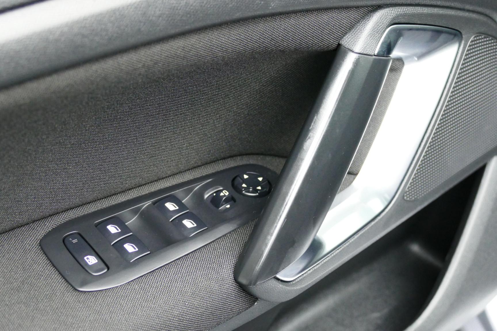 Peugeot-308-26
