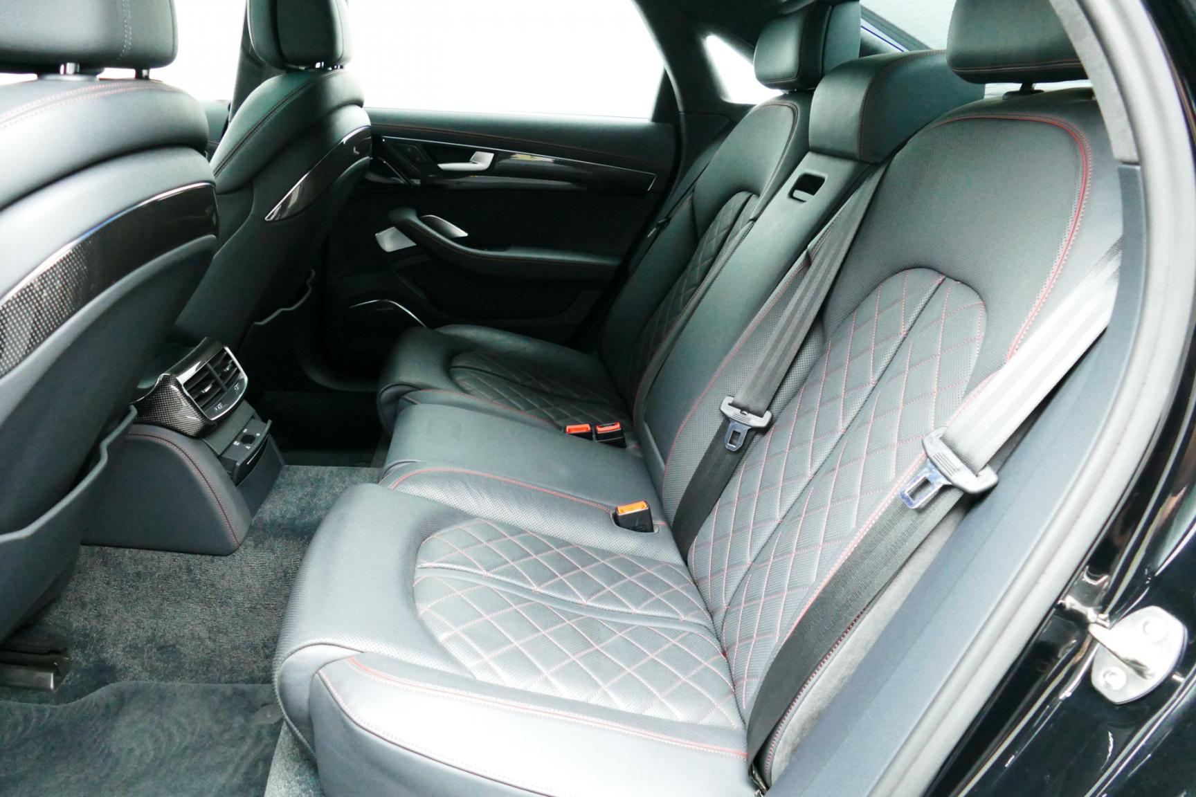 Audi-S8-8