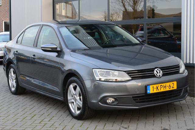 Volkswagen-Jetta
