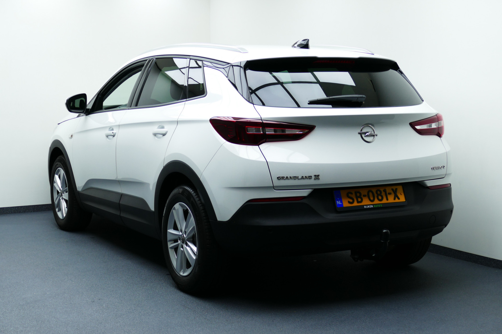 Opel-Grandland X-5