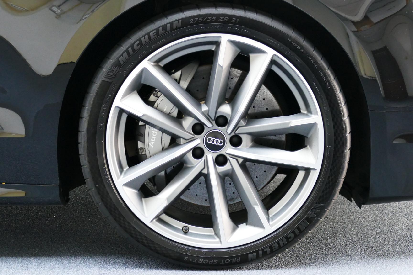 Audi-S8-12