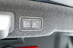 Audi-S8-45