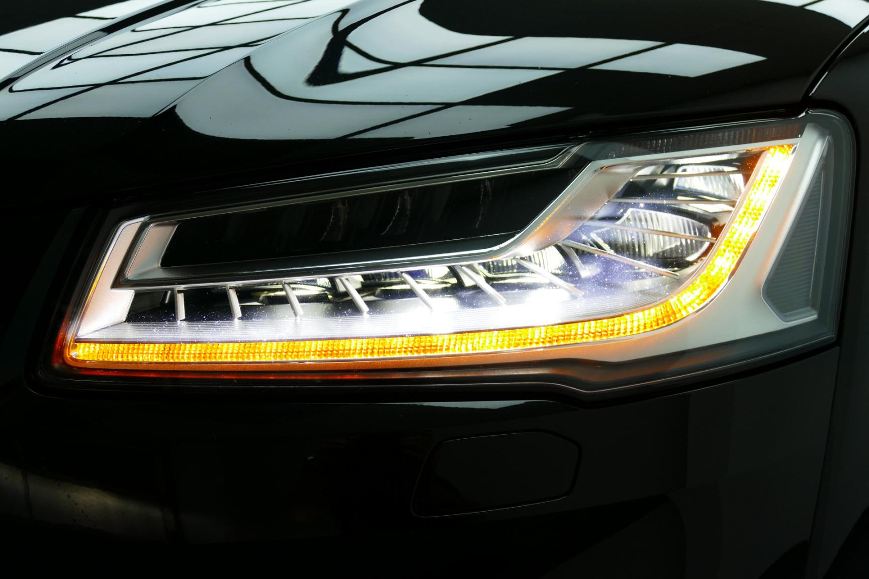 Audi-S8-49